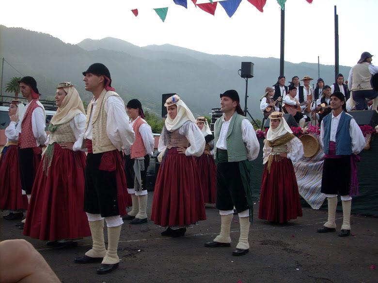 Aduares (Agrupación Folclórica)